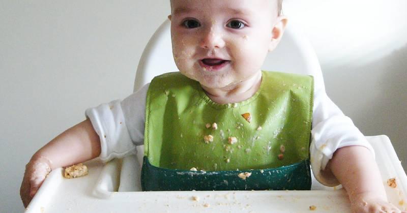 Wprowadzanie posiłków stałych do diety dziecka