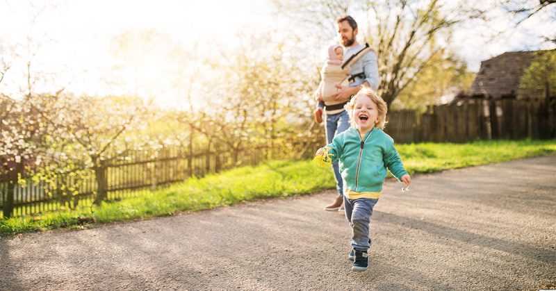 Dziecko w drodze ku wolności – jak towarzyszyć dziecku w rozwoju?