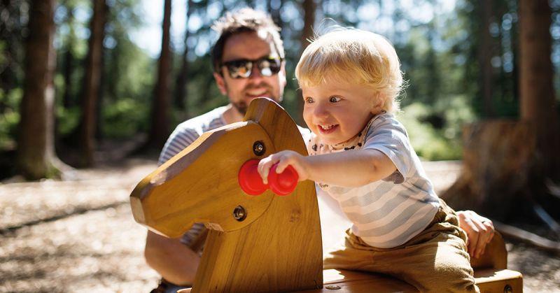Kim jest współczesny ojciec? (fragment książki Jespera Juula)