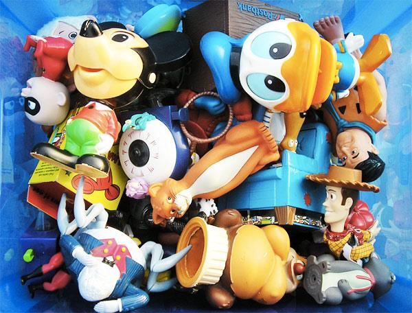 plastikowe-zabawki