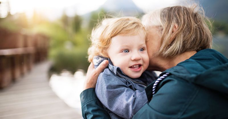 Dziadkowie i dziecko – pozwól im się porozumieć po swojemu