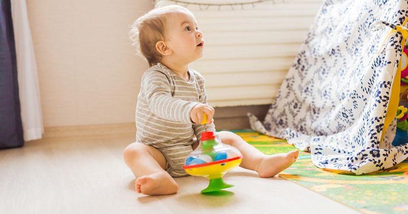 Czym się bawić? O zabawkach adekwatnych do wieku dziecka