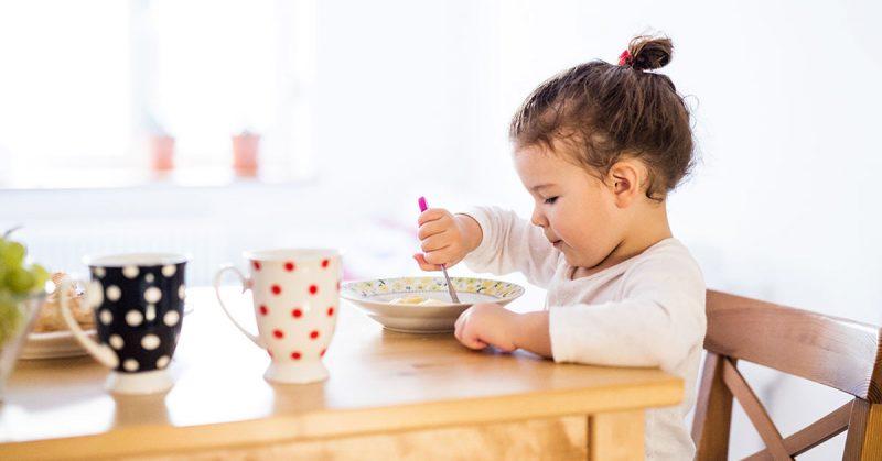Żelazo w diecie dziecka – co jeść, by dostarczyć rozwijającemu się organizmowi odpowiednią jego dawkę