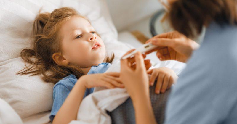 Przeziębienie u dzieci – domowe sposoby na katar, kaszel i gorączkę