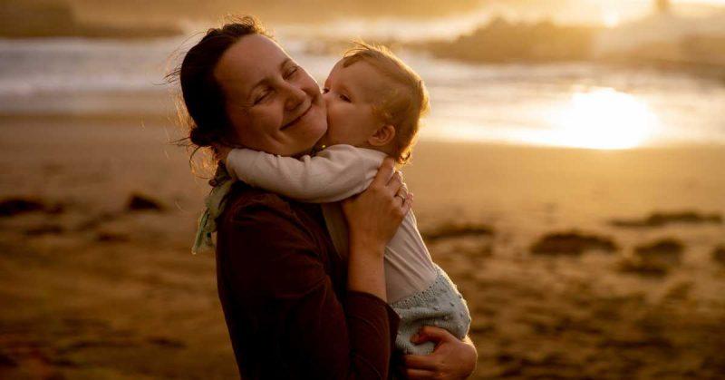"""Kiedy dziecko zmaga się z silnymi emocjami, pojawia się """"rodzic-kontener"""""""