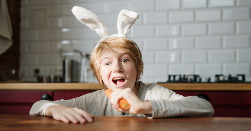 Wielkanocne dekoracje – 3 zabawy z dziećmi