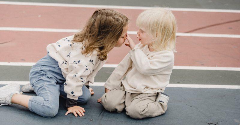 Lekcja empatii – jak wspierać tę kluczową umiejętność u dziecka