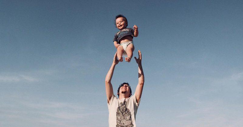 Współczesny tata – obecny i świadomy siebie. Wywiad z Darkiem Czerskim