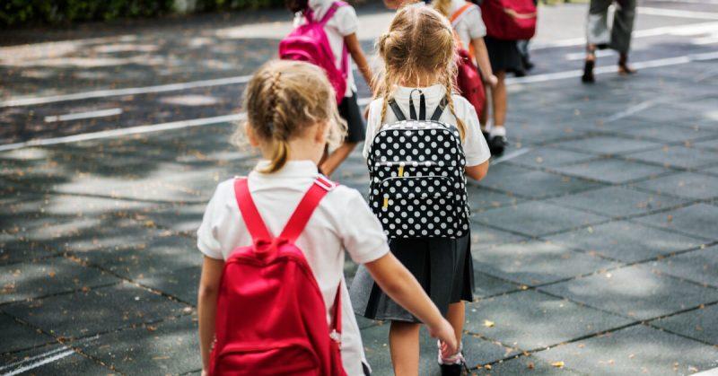 """""""SOS! Dziecko rusza w świat!"""" Adaptacja szkolna"""