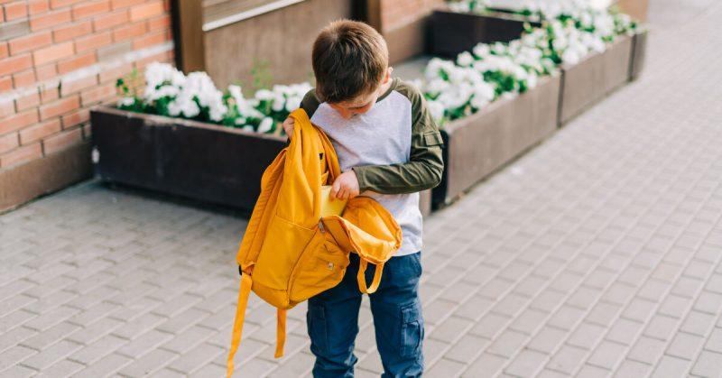 Twoje dziecko nie może się skupić i ma trudności w szkole? Przyczyną może być kłopot z przetwarzaniem słuchowym